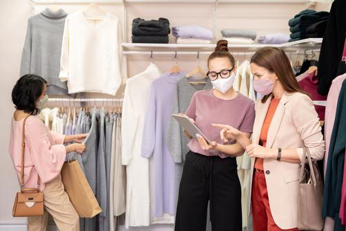 O phygital tenta trazer o sucesso do e-commerce para o comércio presencial
